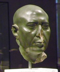 "So-called ""Green Head of Berlin"", ~500 v. Chr. (Berlin, Neues Museum, Ägyptische Sammlungen)"
