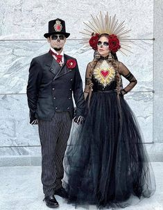 Day of the dead Halloween Couples Halloween, Couple Halloween Costumes, Halloween 2019, Halloween Make Up, Sugar Skull Costume, Sugar Skull Makeup, Sugar Skulls, Maquillage Sugar Skull, Day Of Dead Costume