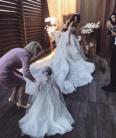 Gorgeous Off the Shoulder Sweetheart Court Train Ball Gown Wedding Dresses with Appliques | Yesbabyonline.com Luxury Wedding Dress, Dream Wedding Dresses, Bridal Dresses, Wedding Gowns, Wedding Tips, Budget Wedding, Wedding Bride, Wedding Ceremony, Wedding Hair