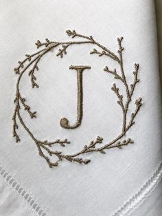 Hand Embroidery Letters, Shirt Embroidery, Embroidery Stitches, Embroidery Patterns, Machine Embroidery, Monogrammed Napkins, Linen Napkins, Cloth Napkins, Wedding Linens