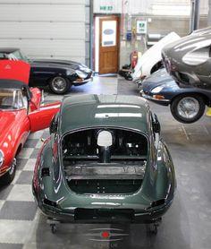 Got to love Opalescent Dark Green. #jaguar #etype #classicjaguar #jaguaretype #supercar #sportscar #car #beautiful #forsale #carforsale #jaguarforsale #classiccarforsale #classic #cars #classsiccar #drivetastefully #petrolicious #series1 #series2 #series3 #V12 #british #britishindustry #carsofinstagram #exotic #luxury #exoticcar #exoticcars #coolcars