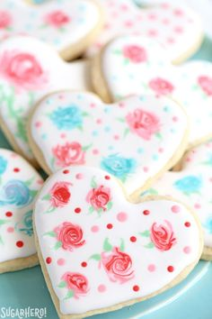Valentine's Day Sugar Cookies - classic sugar cookies decorated with royal icing in a variety of gorgeous Valentine's Day designs Valentine's Day Sugar Cookies, Rose Cookies, Sugar Cookie Royal Icing, Fancy Cookies, Flower Cookies, Iced Cookies, Cookies Et Biscuits, Heart Cookies, Cookie Bouquet