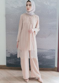 Kebaya Modern Hijab, Kebaya Hijab, Modern Hijab Fashion, Muslim Fashion, Custom Dresses, Modest Dresses, Graduation Party Outfits, Hijab Dress Party, Dress Brokat