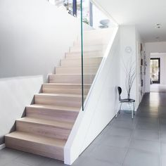 Another beautiful day. Have a nice weekend! #bolig #interiør #rom123sommer #norwegiansummer #nordiskehjem #stairs #trapp #ask #ash #wood #concrete #contemporary #myhome #decoration #interior444 #interior #interior4all #interior4you #interior_juli #interiørmagasinet #funkis #architecture