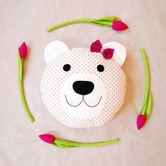 #miś #misiek #misiu #poduszka #poducha #jobuko #przytulanka #dekoracja #pillow #homedecor #bear #soft #tulipany #tulips #flowers #kwiaty #kwiatki #szycie #rekodzieło #handmade #nurserydecor #pokojdziecka