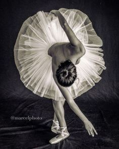 Image may contain: one or more people – Dance Center Ballerina Art, Ballet Art, Ballerina Dancing, Ballet Dancers, Ballerinas, Ballet Images, Ballet Pictures, Dance Pictures, Jazz Dance Photography