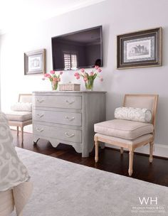 furniture layout decorating around a tv in bedroom Tv In Bedroom, Bedroom Dressers, Trendy Bedroom, Bedroom Decor, Bedroom Ideas, Bedroom Seating, Wall Decor, Master Bedrooms, Master Bedroom Chairs