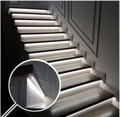 Advanced stair railing glass panel just on homesaholic home design Stair Handrail, Staircase Railings, Stairways, Staircase Lighting Ideas, Stairway Lighting, Wall Lighting, Interior Staircase, Home Stairs Design, Small Space Interior Design