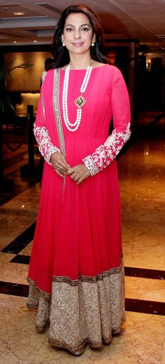Juhi Chawla looked regal in a pink anarkali by Manish Malhotra at the launch of Sony Pal TV channel. Indian Frocks, Indian Gowns, Indian Attire, Indian Wear, Indian Celebrities, Bollywood Celebrities, Pakistani Outfits, Indian Outfits, Juhi Chawla