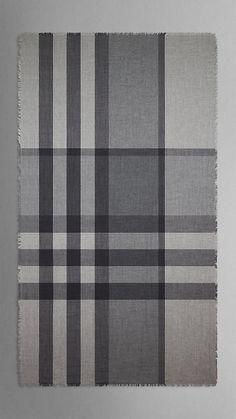 Écharpe en check laine mérinos   Burberry Echarpe, Foulard, Tissage, Laine,  Patrons 9d45ddbe8b6