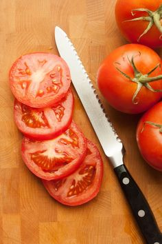Why a Serrated Knife Is the Best Tool to Slice Tomatoes   Kitchn Coffee Fudge Recipes, Tomato Knife, Fruit Creations, Sliced Tomato, Delicious Vegan Recipes, Learn To Cook, Kitchen Hacks, Kitchen Gadgets, Cooking Tools