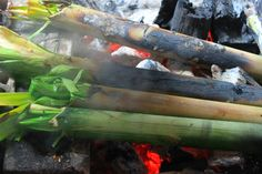 Grilling beef in Bamboo (Bò nướng ống tre). Hv you ever tried this cooking way before? ;;). Like Cơm Lam (Lam Rice - Rice is cooked in bamboo), it will create a specific flavor for your meal <3  Source www.vietnamesefood.com.vn
