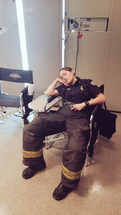 Addison Greys Anatomy, Andy Sullivan, Bts Station, Female Firefighter, Seattle, Cute Jeans, Girls Life, Fire Department, Supergirl