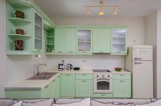 A dreamy kitchen  #Bompani #architettura #design #arredamento #MadeInItaly #ItalianCulture #ItalianCuisine #fridge #frigorifero #cream