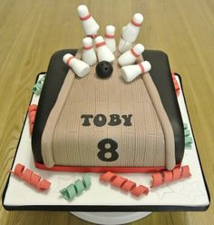 10 pin bowling Cake by SOH