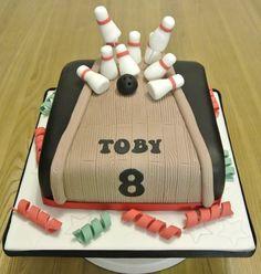 10 pin bowling Cake by SOH