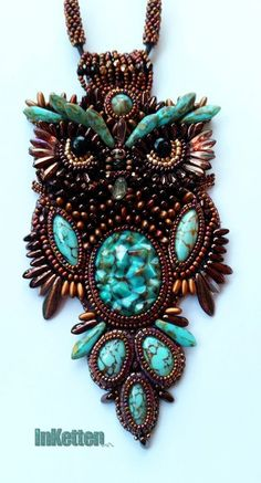 my great horned owl Daggobird - finished! Bead Embroidery Jewelry, Beaded Jewelry Patterns, Beaded Embroidery, Beading Patterns, Owl Jewelry, Jewelry Crafts, Beaded Spiders, Beaded Crafts, Beaded Animals