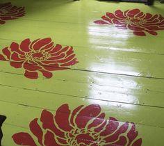 Anemone Grand flower stencil floor
