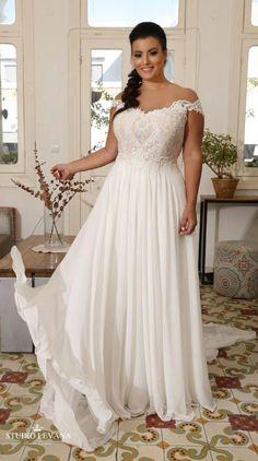 985964fad8 Plus size off shoulder bohemian wedding gown with unique lace embroidery.  Valentina. Studio Levana. Style Sukienek ŚlubnychPanna ...