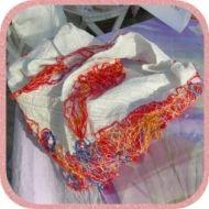 Halstuch mit rotem Rand