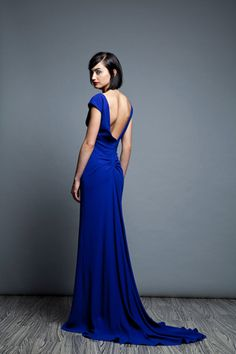 Love the color and cut of this dress    http://www.elementsofstyleblog.com/wp-content/uploads/2012/06/025m.jpg