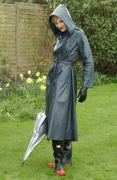 Imper Pvc, Black Raincoat, Rubber Raincoats, Rain Suit, Langer Mantel, Rain Gear, Raincoats For Women, Black Rubber, Lady