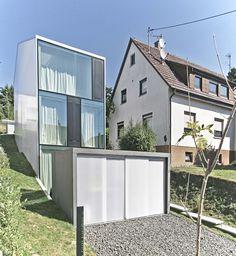 Auszeichnung in Gold, Wohnungsbau / Einfamilienhäuser: haus F  - schlank, lang und glatt, FINCKH  ARCHITEKTEN  BDA, © FINCKH ARCHITEKTEN BDA