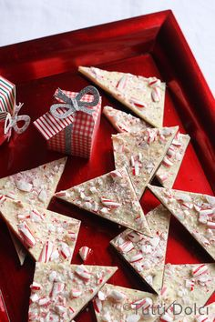 Peppermint bark, so easy and delicious, perfect for holiday gifting!