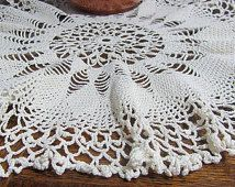 French vintage White cotton crochet table cloth. Round table cloth. Handmade crochet. Large doily.