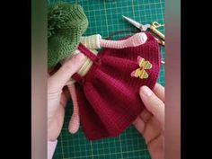 Crochet Dress Girl, Crochet Dolls, American Girl Crochet, Plushie Patterns, Baby Crafts, Amigurumi Doll, Plushies, Hello Kitty, Coin Purse