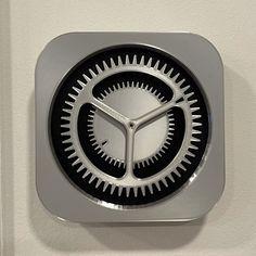 Mercedes Benz Logo, Apple Mac, Volkswagen Logo, Iphone, Clock