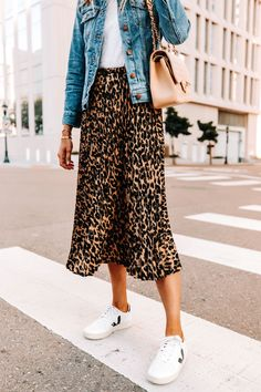 Are Leopard Midi Skirts Still in Style? How I'm Styling Mine For 2020 Midi Rock Outfit, Midi Skirt Casual, Casual Skirts, Midi Skirts, Jean Skirts, Denim Skirts, Long Skirts, Fall Skirts, Summer Skirts