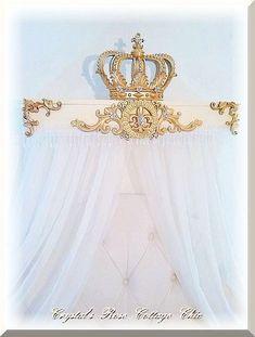 Francés florecer cama de marfil y oro corona pabellón Teester