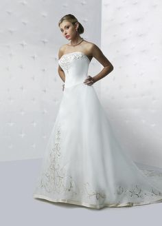 Style F8131 » Wedding Gowns » DaVinci Bridal » Available Colours : Ivory, White