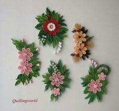 Kvítky na přán… Flowers for greeting card * quilling Quilling Dolls, Paper Quilling Earrings, Paper Quilling Flowers, Paper Quilling Cards, Quilling Work, Neli Quilling, Paper Quilling Designs, Quilling Jewelry, Quilling Paper Craft