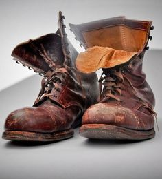 """Daily Man Up Photos) Ever been told to """"man up""""? Very few men ever """"man up"""" and it's about time we do. I'm not talking about some testosterone-fueled call to a. Botas Red Wing, Red Wing Boots, Men's Shoes, Shoe Boots, Old Boots, Rugged Style, Style Retro, Vintage Boots, Leather Shoes"""