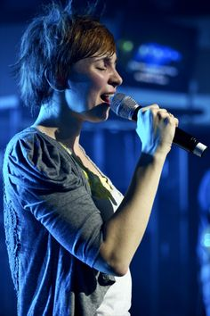 "Kim Walker-Smith of Jesus Culture --- One of my favorite worship leaders. ""Worship cannot be confined to a box. Worship is simply our connection to Him. Kim Walker, Walker Smith, Christian Singers, Christian Music, Worship Leader, Praise And Worship, All About Music, My Music, Bethel Music"