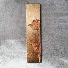 Delicate and pretty tulip. Get your favourite flowers and choose your background in gold, copper or silver. Handmade in Sweden. Wood Burning Techniques, Spring Has Sprung, Pyrography, Spring Time, Tulips, Sweden, You Got This, Delicate, Copper
