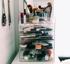 Cómo organizar tus productos de maquillaje