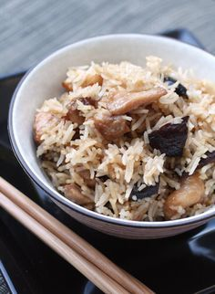 Fluffy rice, tender chicken chunks and earthy mushrooms combine for a comforting one-dish meal.