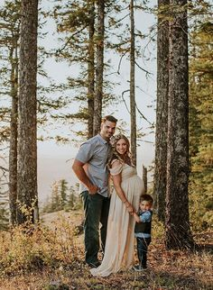 Inspiration For Pregnancy and Maternity : Mountain Maternity Photos at Sunset  Inspired by This