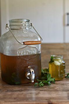 Sweet Mint Sun Tea Using Xylitol and Stevia