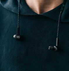 Beoplay H5 earphones deliver an immersive listening experience with the power to take you anywhere.