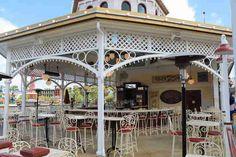 Cover Bar, Disneyland Paradise Pier