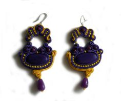 Hey, I found this really awesome Etsy listing at http://www.etsy.com/pt/listing/153798542/handmade-violet-and-yellow-soutache