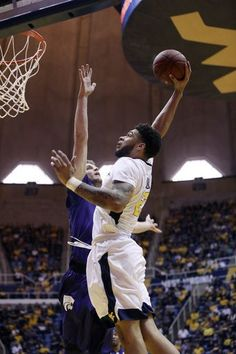 West Virginia forward Esa Ahmad to return Jan. 13