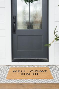 "New Totally Free Farmhouse Front Door entryway Style Interior designers often refer to art as ""the jewelry of the property,"" but in regards to enhanc Front Door With Screen, Black Front Doors, Front Door Mats, Painted Front Doors, Front Door Colors, Privacy Glass Front Door, Front Porch, Front Door Curtains, Front Door Entryway"