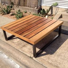 70 Suprising DIY Projects Mini Pallet Coffee Table Design Ideas 41 – Home Design Coffee Table Design, Diy Projects Coffee Table, Garden Coffee Table, Diy Coffee Table, Diy Pallet Projects, Coffee Ideas, Metal Projects, Pallet Ideas, Pallet Dining Table
