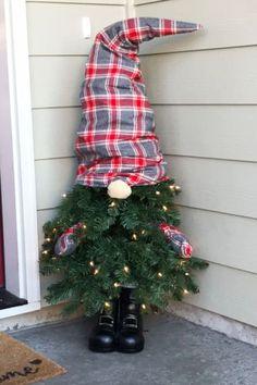 Cool Christmas Trees, Christmas Gnome, Rustic Christmas, Christmas Projects, Christmas Ornaments, Ideas For Christmas, Themed Christmas Trees, Diy Christmas Tree Topper, How To Make Christmas Tree