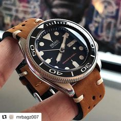 Charming 'PO' styled with a little flecto game for our 😍😍 The SKX is paired with our Oak Brown The Rally leather… Stylish Watches, Luxury Watches For Men, Cool Watches, Wrist Watches, Seiko Skx, Seiko Watches, Tissot Mens Watch, Herren Chronograph, Tourbillon Watch